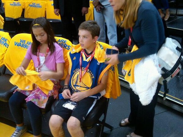 Aaron Hern from Martinez back in the Bay after being injured at Boston Marathon. A brave young man watching Warriors!  <span class=meta>(@MikeShumann&#47;Twitter)</span>