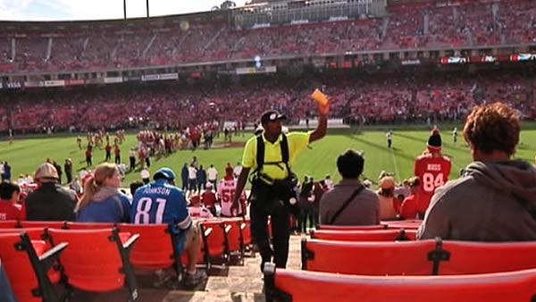 Teens work 49ers game for Juma Ventures