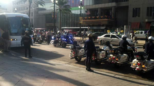 ABC7's Katie Marzullo took this image of the 49ers bus outside the team's hotel.