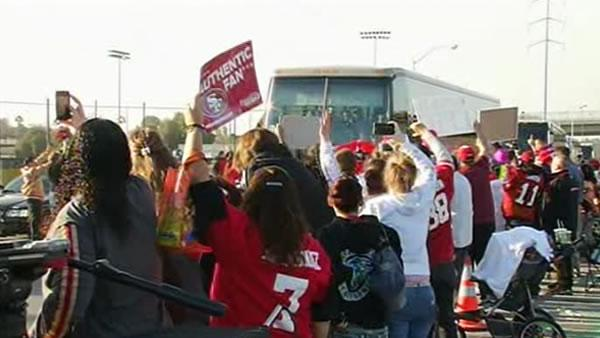 Fans welcome 49ers home from New Orleans