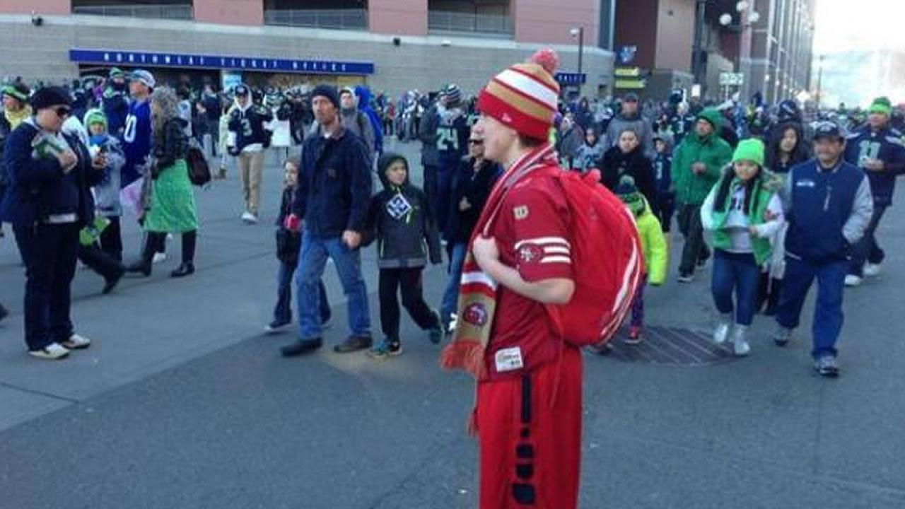 San Francisco 49ers fan Ronnie Andrews of Washington