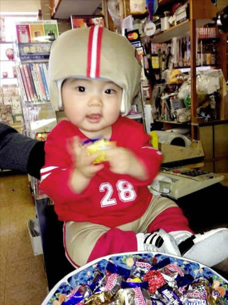 "<div class=""meta image-caption""><div class=""origin-logo origin-image ""><span></span></div><span class=""caption-text"">49er fans, keep the photos coming! Send to uReport@kgo-tv.com and we may show them off on air! (KGO Photo/ photo submitted via uReport)</span></div>"