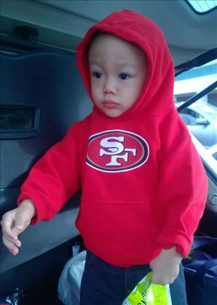 "<div class=""meta image-caption""><div class=""origin-logo origin-image ""><span></span></div><span class=""caption-text"">There is no shortage of 49er pride here in the Bay Area! Keep sending your photos to uReport@kgo-tv.com and we may show them off on air! (KGO Photo/ photo submitted via uReport)</span></div>"