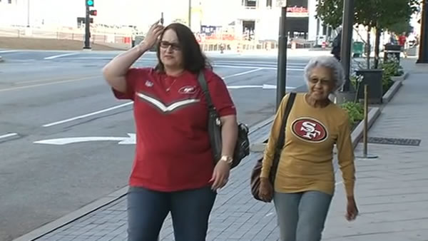 49ers fans share their pride in St. Louis. It&#39;s 49ers Day on ABC7!  49ers legend Jerry Rice joins Larry Beil and Mike Shumann for live coverage as the Niners take on the Rams in St. Louis. <span class=meta>(KGO)</span>