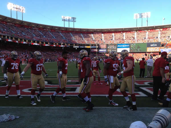 "<div class=""meta ""><span class=""caption-text "">It's 49ers day all day at ABC7 News. Check out behind the scenes photos! (KGO)</span></div>"