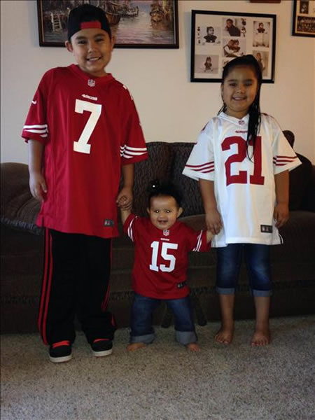 "<div class=""meta ""><span class=""caption-text ""> Thanks for showing off your Niner pride! Keep emailing your photos to uReport@kgo-tv.com and we might share them on TV! (Photo submitted via uReport)</span></div>"