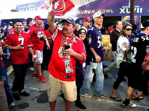 "<div class=""meta ""><span class=""caption-text "">49ers fans cheer on their way to the Super Bowl!</span></div>"