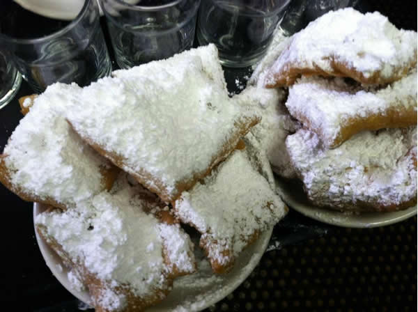 Beignets at at Cafe Du Monde in the French Quarter.  Are you a 49ers fan? Send us a photo or video of your 49ers spirit to uReport@kgo-tv.com and we'll post it here: http://bit.ly/WxySUx.