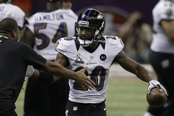 Baltimore Ravens safety Ed Reed (20) celebrates...