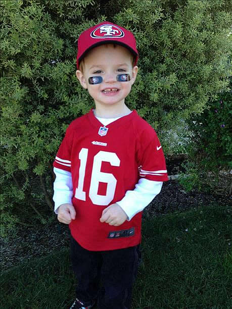 "<div class=""meta ""><span class=""caption-text "">Submitted by Maureen via uReport. Are you a 49ers fan? Send us a photo or video of your 49ers spirit to uReport@kgo-tv.com and we'll post it here: http://bit.ly/WxySUx. </span></div>"