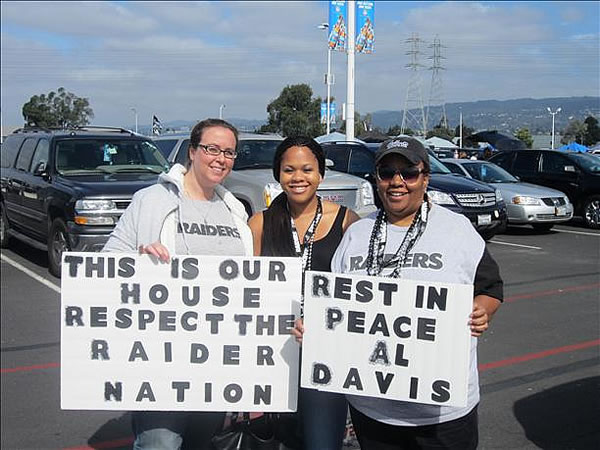 "<div class=""meta image-caption""><div class=""origin-logo origin-image ""><span></span></div><span class=""caption-text"">Photo submitted via uReport  (Are you a Raiders fan? Send us a photo or video of your Raiders spirit to uReport@kgo-tv.com and we'll post it here: http://bit.ly/WxySUx.) </span></div>"