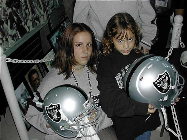 "<div class=""meta image-caption""><div class=""origin-logo origin-image ""><span></span></div><span class=""caption-text"">Photo submitted by DJ Ray via uReport  (Are you a Raiders fan? Send us a photo or video of your Raiders spirit to uReport@kgo-tv.com and we'll post it here: http://bit.ly/WxySUx.)</span></div>"
