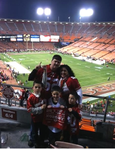 "<div class=""meta ""><span class=""caption-text "">49er Fan Pride. Go Niners!!!!! (Photo submitted via uReport)</span></div>"