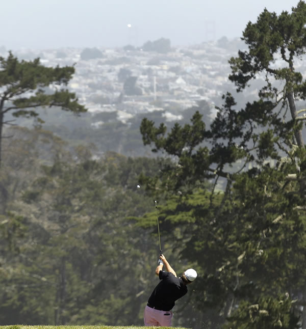 Graeme McDowell, of Northern Ireland, hits a drive on the third hole during the second round of the U.S. Open Championship golf tournament Friday, June 15, 2012, at The Olympic Club in San Francisco. (AP Photo/Charlie Riedel)