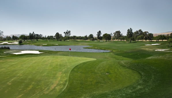 Las Positas Par-4, 3rd. Risk-reward, short and treacherous. <span class=meta>(ABC7&#39;s Wayne Freedman)</span>