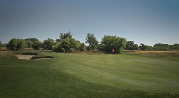 Stevinson Ranch, par-4, 8th. No <span class=meta>(ABC7&#39;s Wayne Freedman)</span>