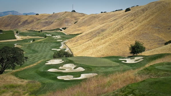 Wente Par 3, 7th. When we speak about drama at a golf course, this hole is provides a fine example. <span class=meta>(ABC7&#39;s Wayne Freedman)</span>