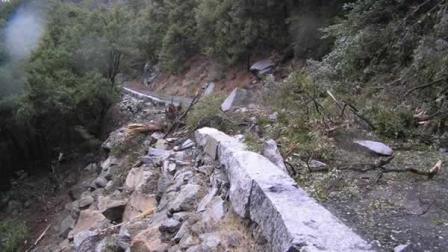 A rockfall has closed off indefinitely a major access road into Yosemite National Park.