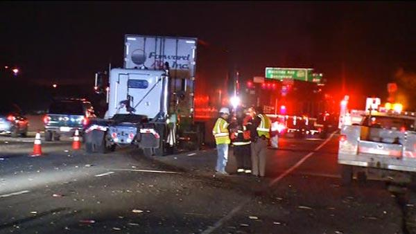 Big-rig crash blocks Hwy 101 lanes in Sunnyvale