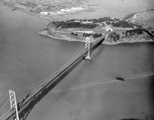 Aerial view of the Bay Bridge in 1950. (Photo courtesy baybridgeinfo.org)