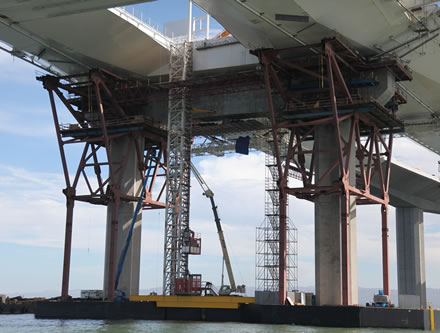 View of Pier E2 and construction elevator. (Photo courtesy baybridgeinfo.org)