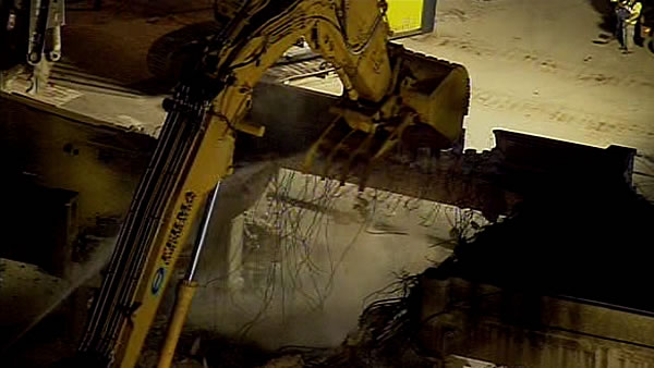 "<div class=""meta ""><span class=""caption-text "">Demolition crews began knocking down the old Doyle Drive structure on Friday night. The closure is the first major step in the seismic safety rebuild of Doyle Drive.</span></div>"