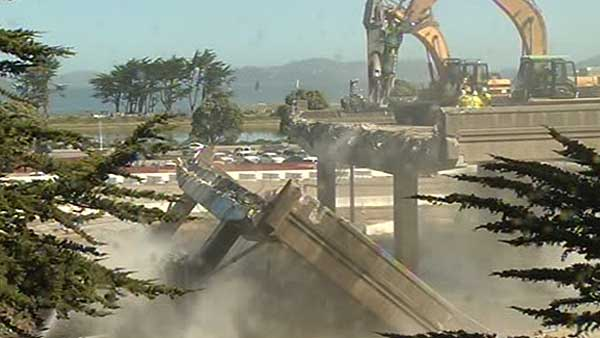 "<div class=""meta ""><span class=""caption-text "">Demolition crews worked non-stop Saturday. The closure is the first major step in the seismic safety rebuild of Doyle Drive.</span></div>"