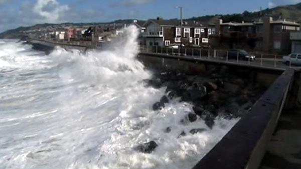 Tourists, residents amazed with storm's big waves
