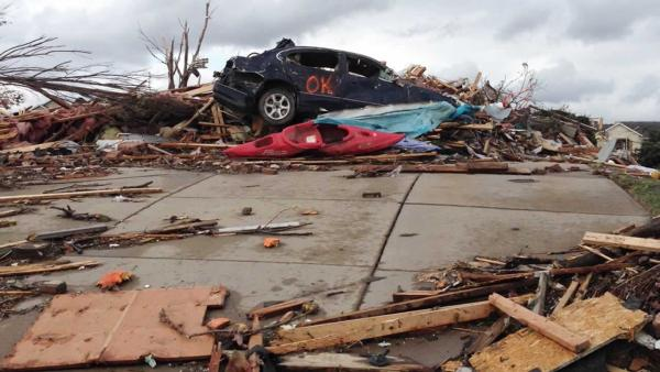 Deadly tornadoes sweep through Midwest