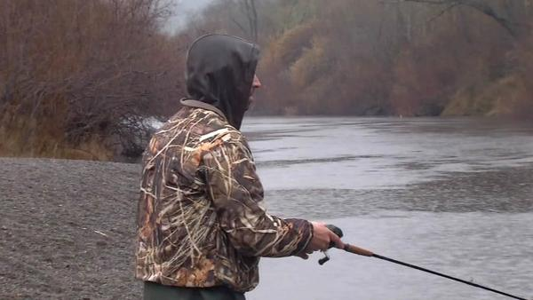 Rain won't stop Russian River fishing ban