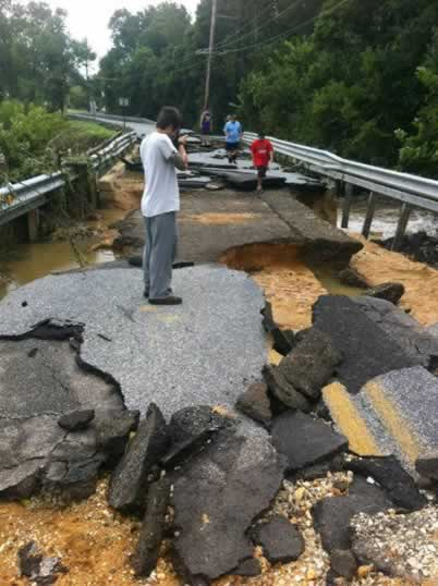 East Lake Road in Woodstown, New Jersey suffers massive damage following Hurricane Irene. (Photo by Sara Chapman, courtesy WPVI-TV)