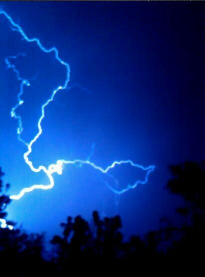Lightning in Antioch, California Sunday evening, June 9th, 2013. <span class=meta>(Photo submitted by @MrsMelissa32 via Twitter)</span>