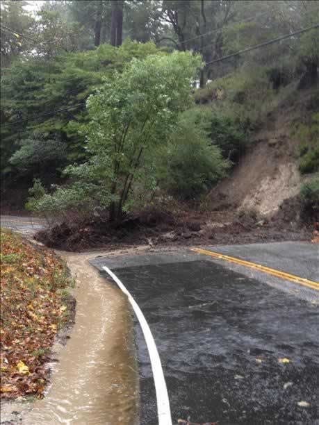 Mudslide on Highway 84 in La Honda (Photo submitted via uReport)