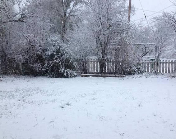 Snow in Ukiah, Calif. <span class=meta>(Submitted by anonymous user via uReport)</span>