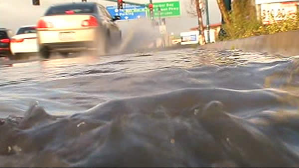 "<div class=""meta ""><span class=""caption-text "">Throughout the Bay Area, drivers had to contend with slick roads and some street flooding.  (April 13, 2012).   (KGO)</span></div>"