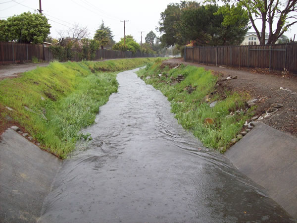 Flooding in Sunnyvale, March 24, 2011 (Photo submitted by user daveo via uReport)