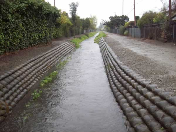 Flooding in Sunnyvale (Photo submitted by user daveo via uReport)