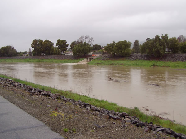 High water runoff at Alameda Creek in Fremont,...