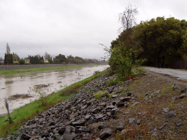 "<div class=""meta image-caption""><div class=""origin-logo origin-image ""><span></span></div><span class=""caption-text"">High water runoff at Alameda Creek in Fremont (Photo submitted by user Maurice via uReport)</span></div>"