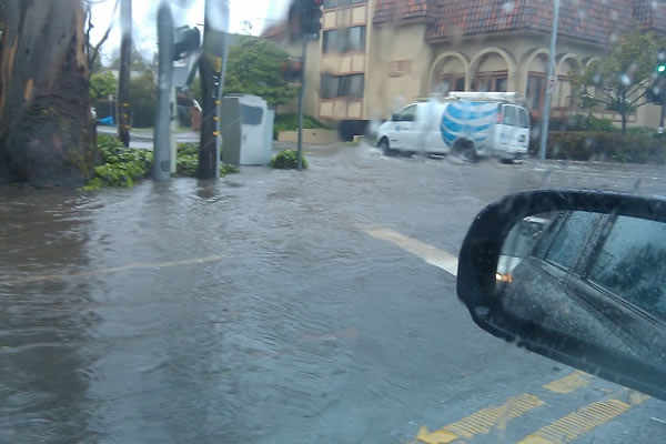 Flooding in Burlingame along El Camino Real (Photo submitted by user LauraOliveira via uReport)