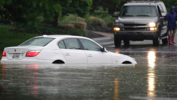 Flooding destroys roads, businesses in Nashville