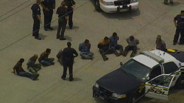 Raw video: Police chase turns into illegal immigrant bust
