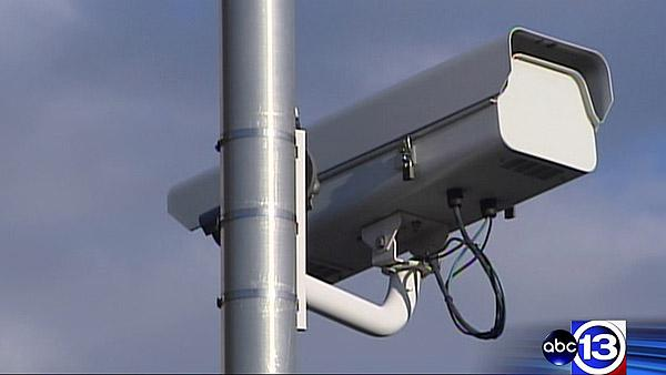 Company wants red light cameras back on