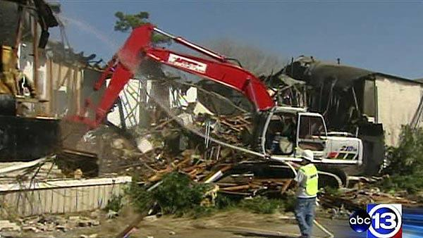 Demolition day for longtime Houston eyesore