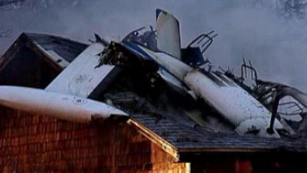 Small plane crashes into Maine home