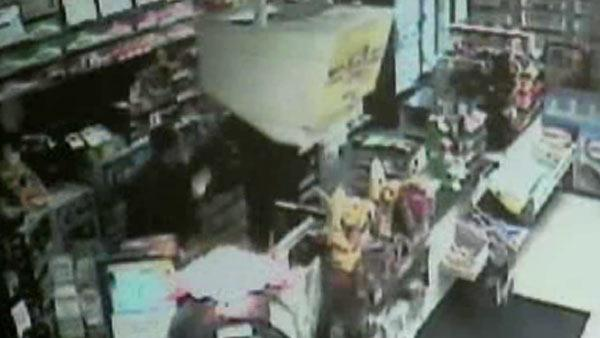 Clerk fights back against armed robber