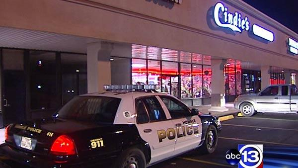 Lingerie store robbed by armed men