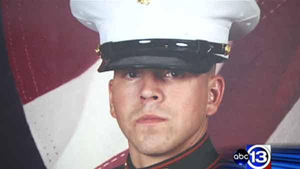 Baytown Marine receiving Navy Cross for valor in combat