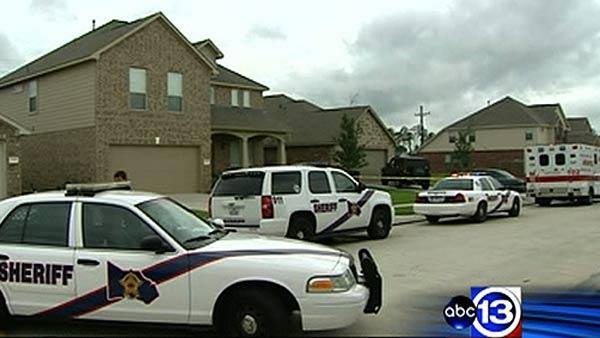 Man and teen found dead inside Kingwood home
