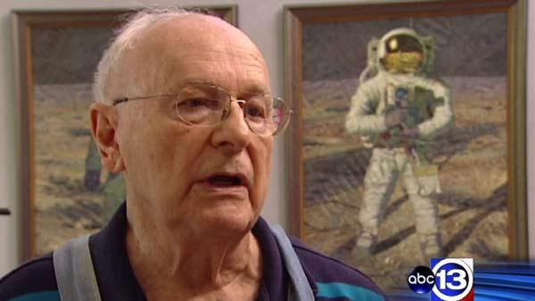 Old friends share memories of Neil Armstrong